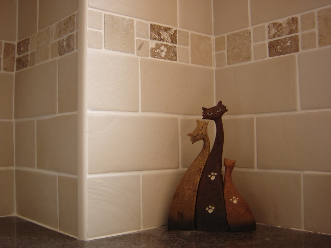 Kitchen walls with borders